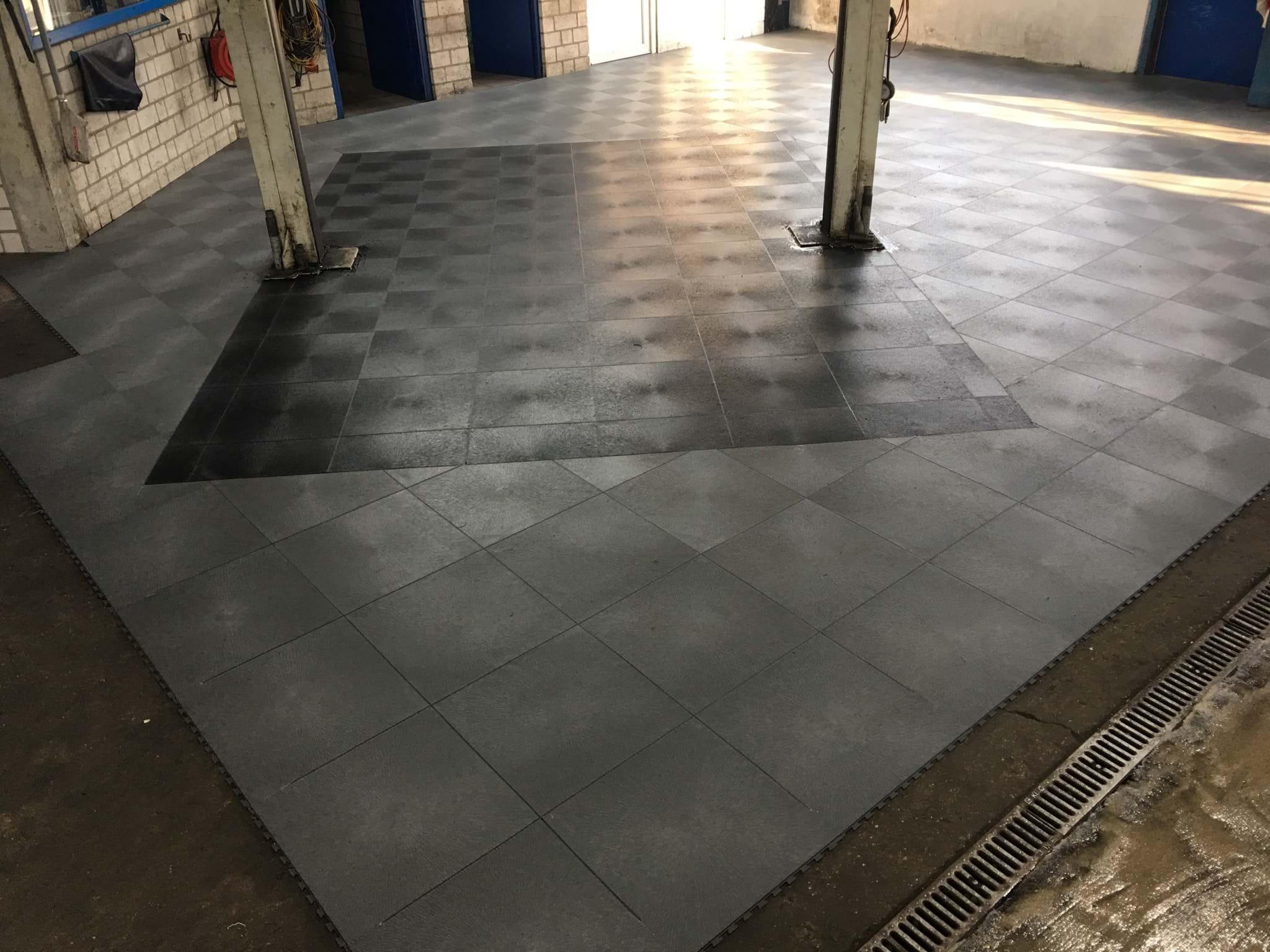 Fußbodenbelag Werkstatt ~ Werkstattboden flexi tile pvc werkstattfliesen