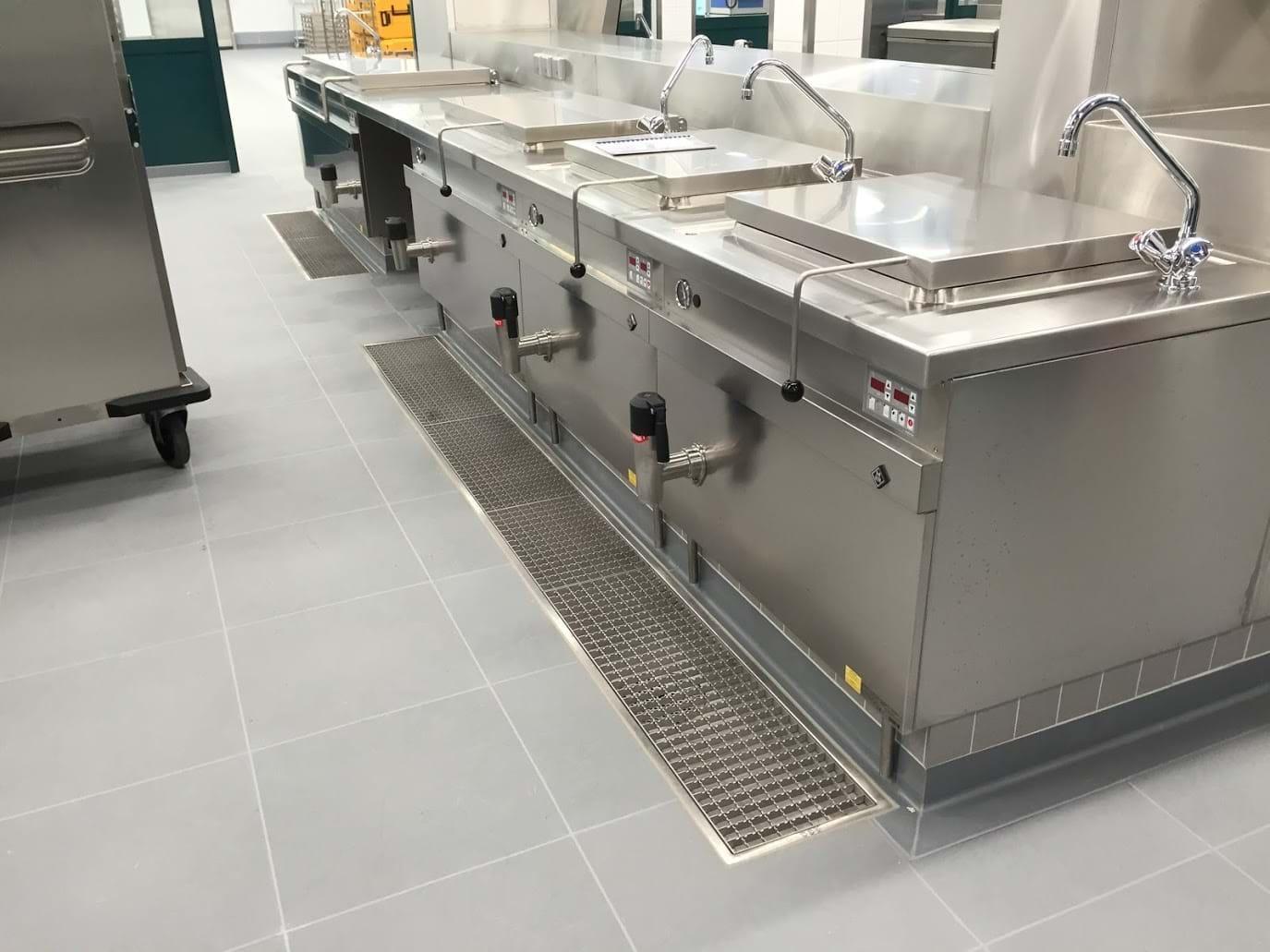 Fußboden In Großküchen ~ Einfache sanierung des bodenbelags in großküchen und gastronomie